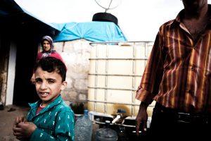Bambini ai confini Siriani fuggiti dalla zona di Aleppo